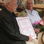 Albrecht Croy s plaketou čestného občanství